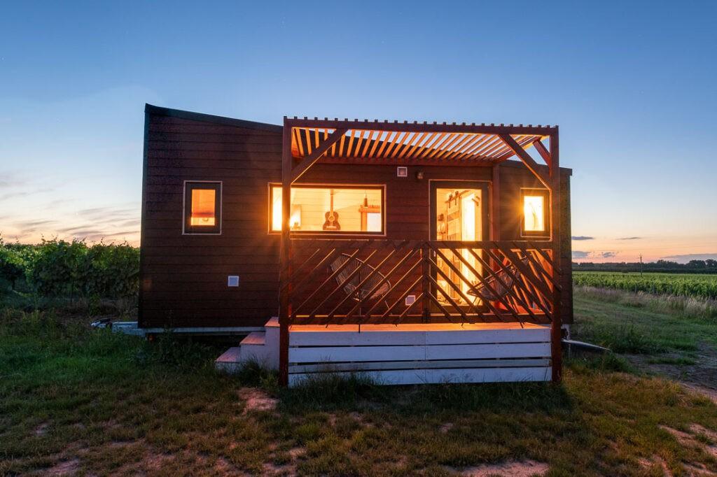 tiny house atardecer